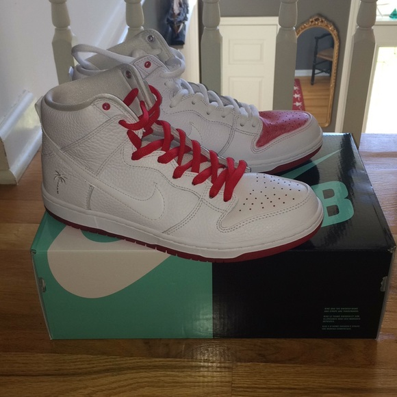 "d18428053ee1 Nike SB Zoom Dunk High Pro QS ""Kevin Bradley"". M 5ad9f879a6e3eaf14e878ce3"
